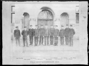 Ett foto som föreställer Faluns brevbärare 1904.